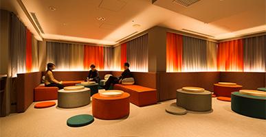 夜の二次会利用に最適、無料談話室をご用意